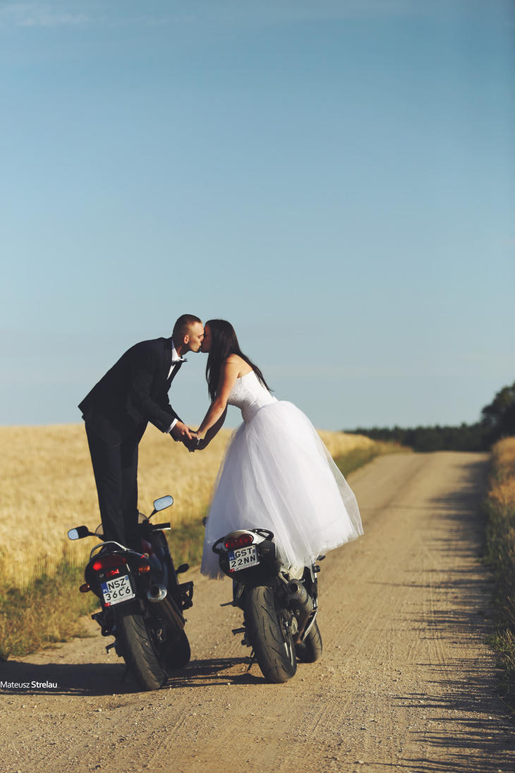 MotoLOVE by PhotoYoung