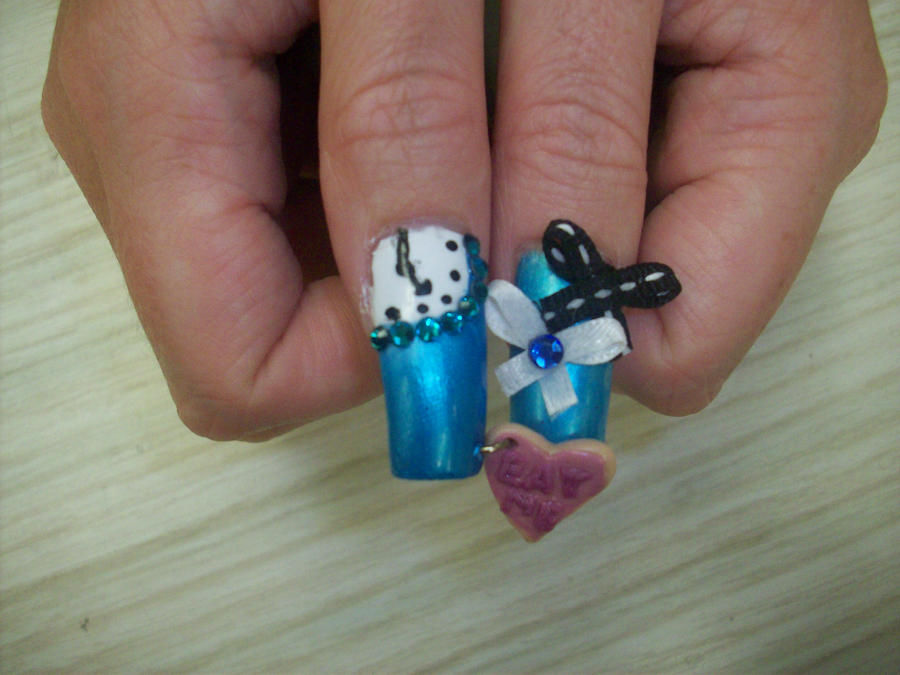 Alice Nails - Thumbs