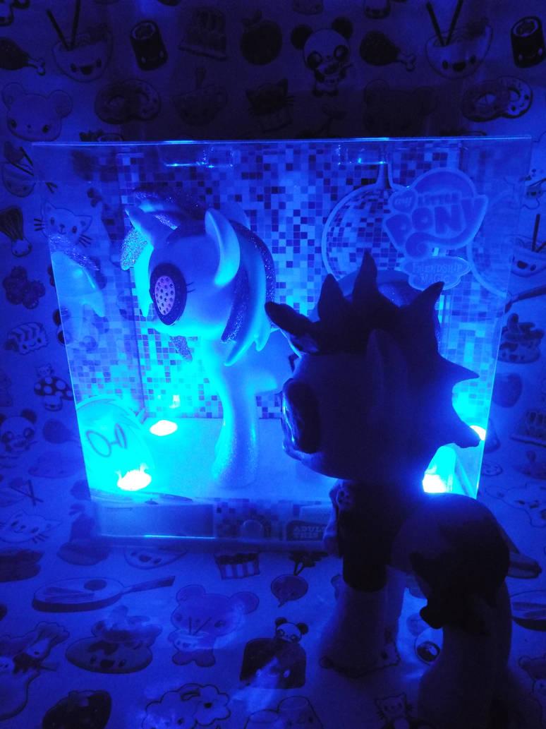 MLP)Neon Lights Meets Comic Con DJ Pon-3 by KrazyKari on DeviantArt