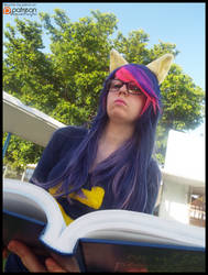 (MLP) Twilight Sparkle Studying (Cosplay)