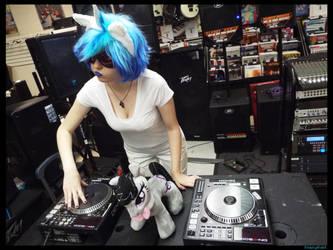(MLP) Vinyl Scratch DJing Cosplay by KrazyKari