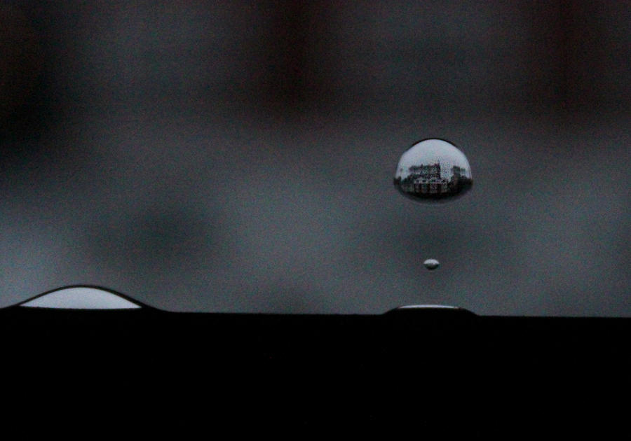 Flipped Raindrop Reflection by CastawayJen