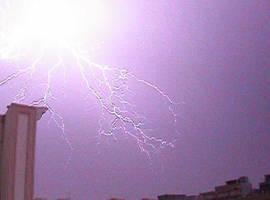 Lightning by suzukipwnstheworld