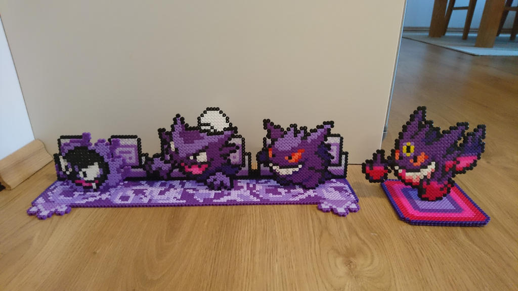 2D/3D Gastly+evolutions with background by MagicPearls