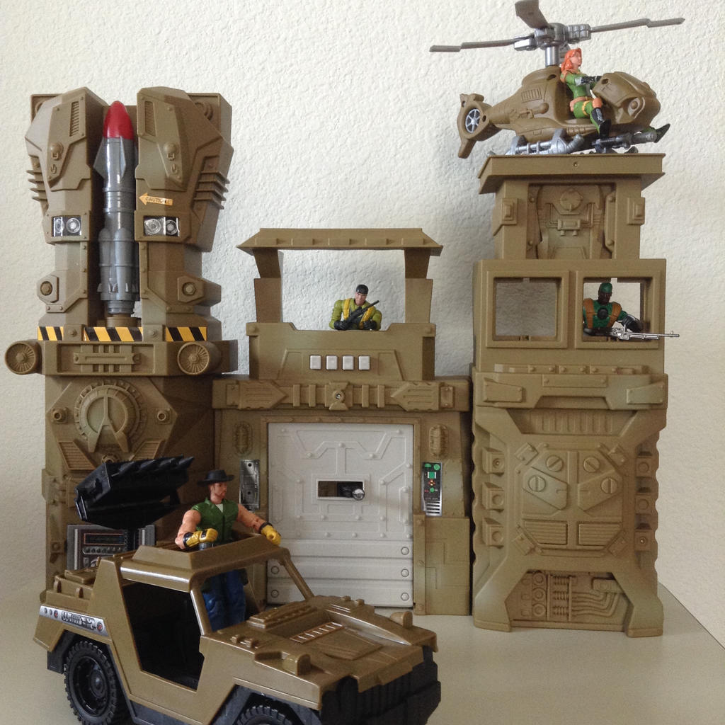 Kid Connection Military Base Vehicles Play Set