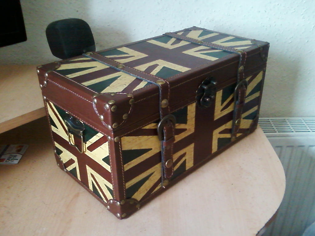 Superb Union Jack Trunk Idea