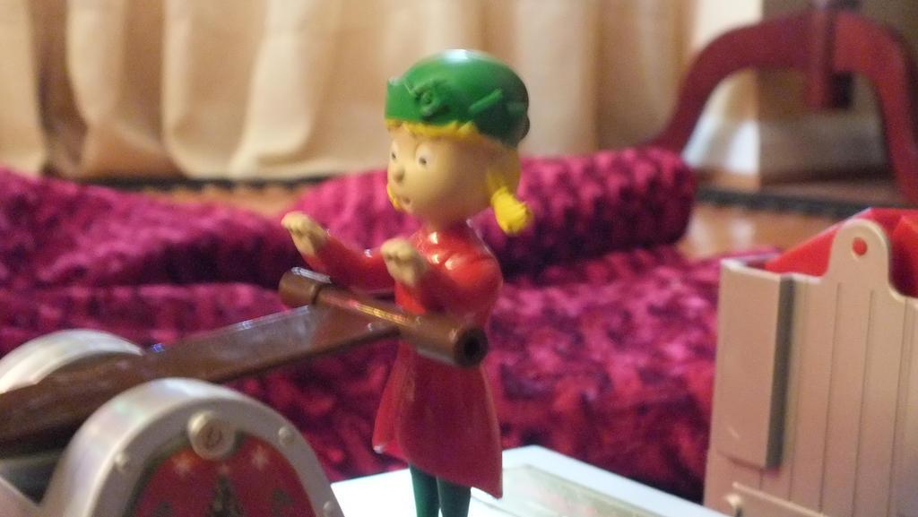 An Elf'n Good Time! by GimpTron