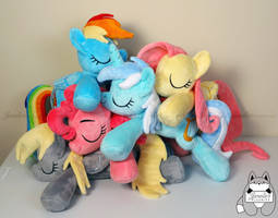 Pile-o-ponies for Bronycon and Otakon by JanellesPlushies