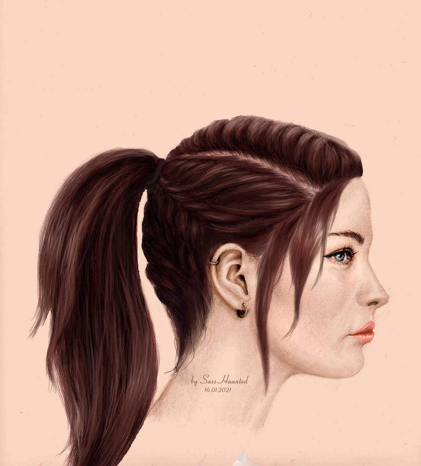 Claire Alt. Hairstyle