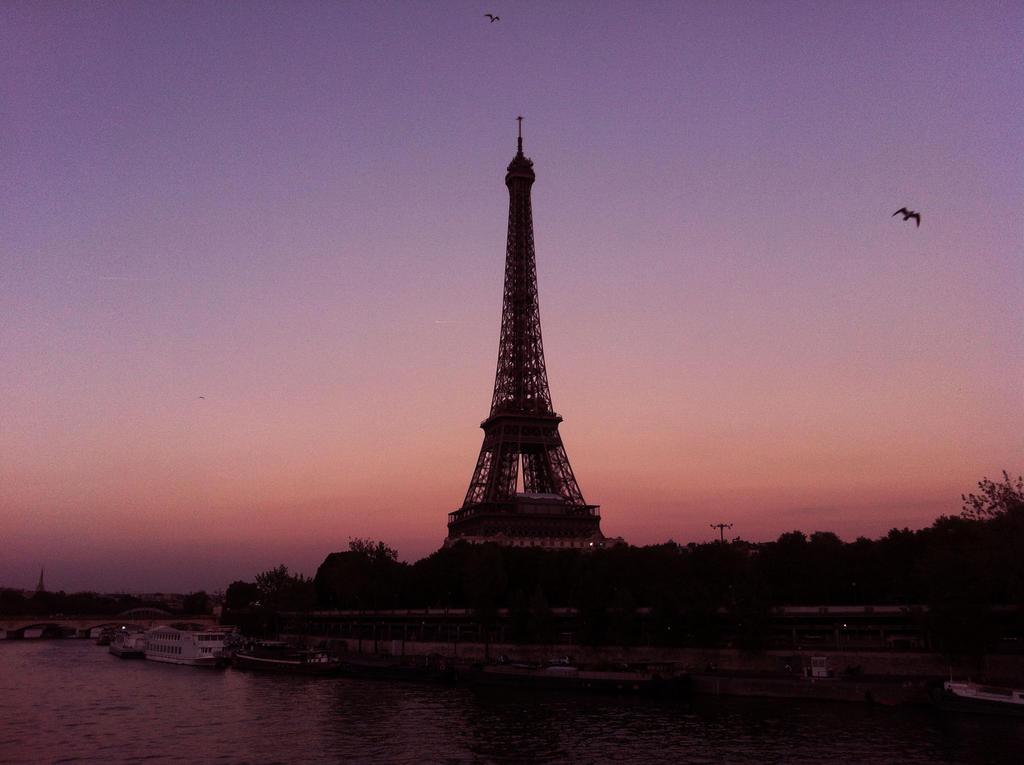 Tour Eiffel sunset by A-n-n-e-S-o-p-h-i-e