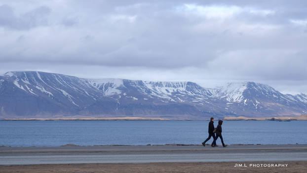 Lovebirds gracing Mount Esja