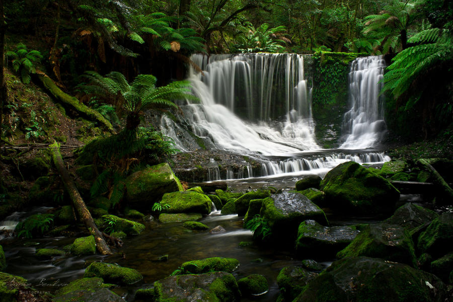Horseshoe Falls by abenham