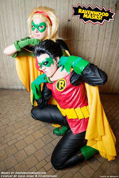 Cosplay Robin v. Robin: Stephanie and Damian
