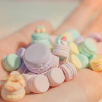 Handful O' Macarons