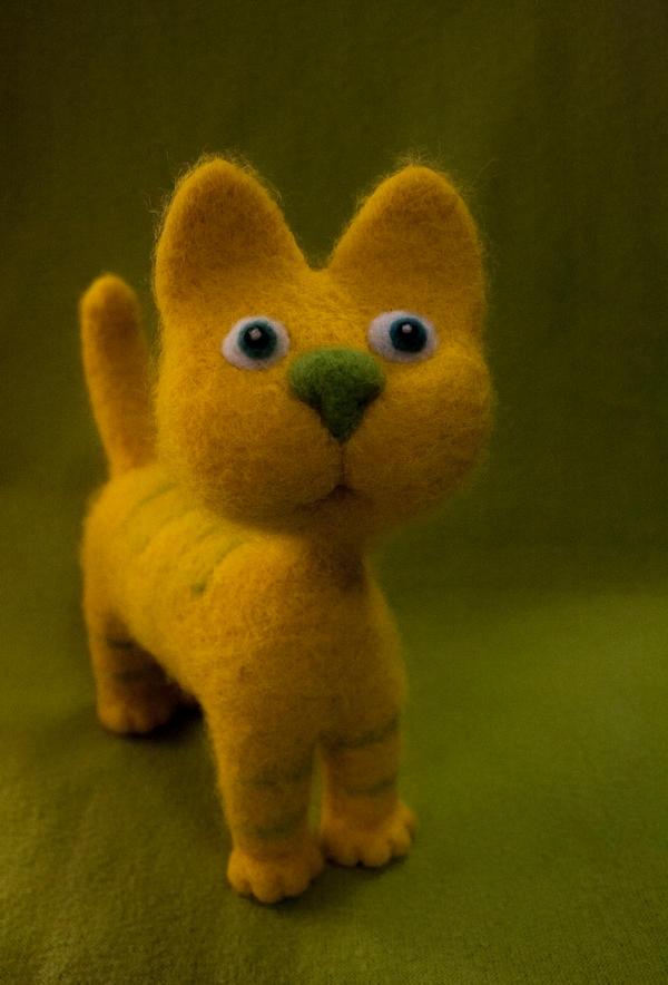 Yellow cat by Yubodoc
