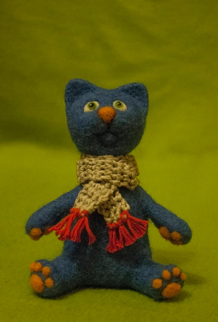 Blue felted cat by Yubodoc