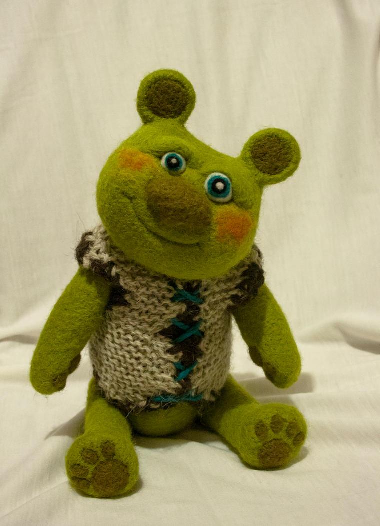 Green bear by Yubodoc