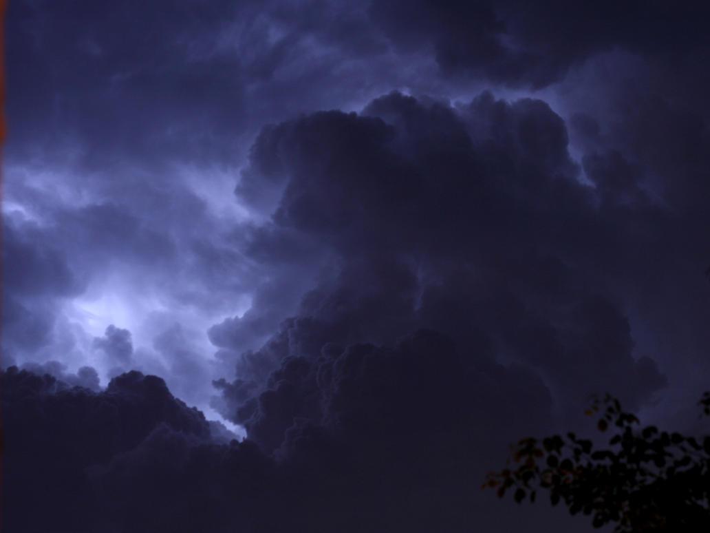 Midnight Storm by riktorsashen