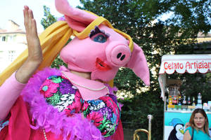 Fabulous pig by summerskarma