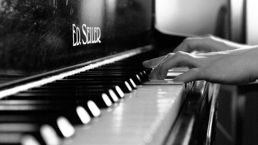 Výsledek obrázku pro playing the piano photography