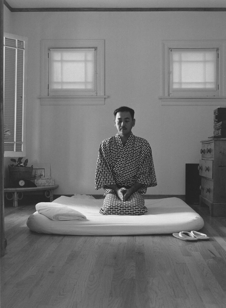 Shiatsu masseur by Ewoud57