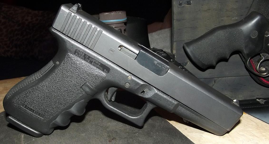 My Glock 20 10mm by HectorDefendi-Light on DeviantArt