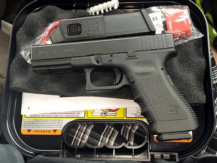 My Glock 31 .357 Sig by HectorDefendi-Light