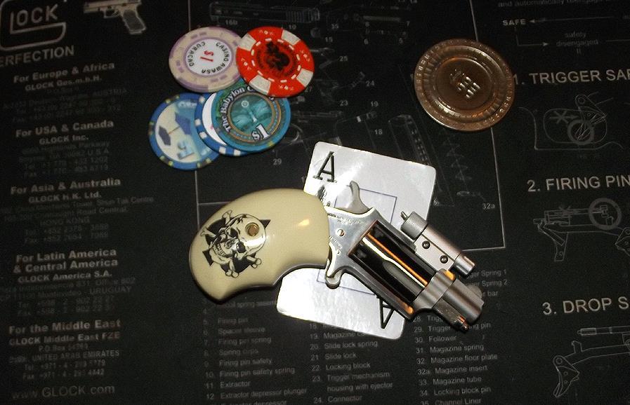 My North American Arms .22 mag pocket revolver by HectorDefendi-Light
