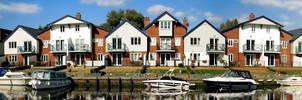 Broads: Row of Houses panorama