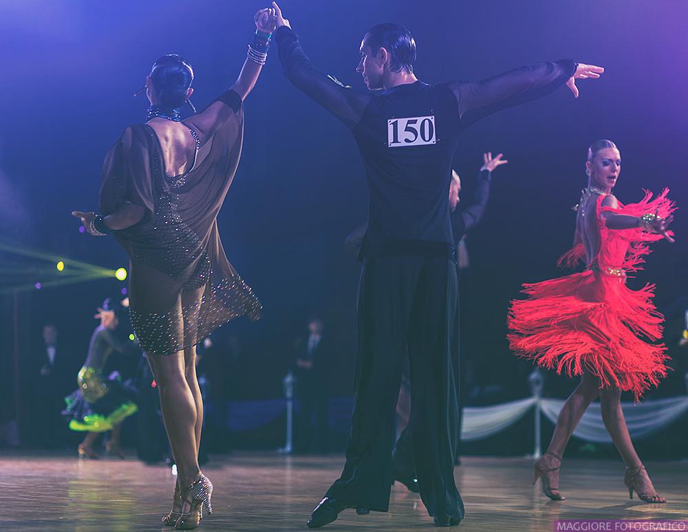 Elegante Danza by ShakilovNeel