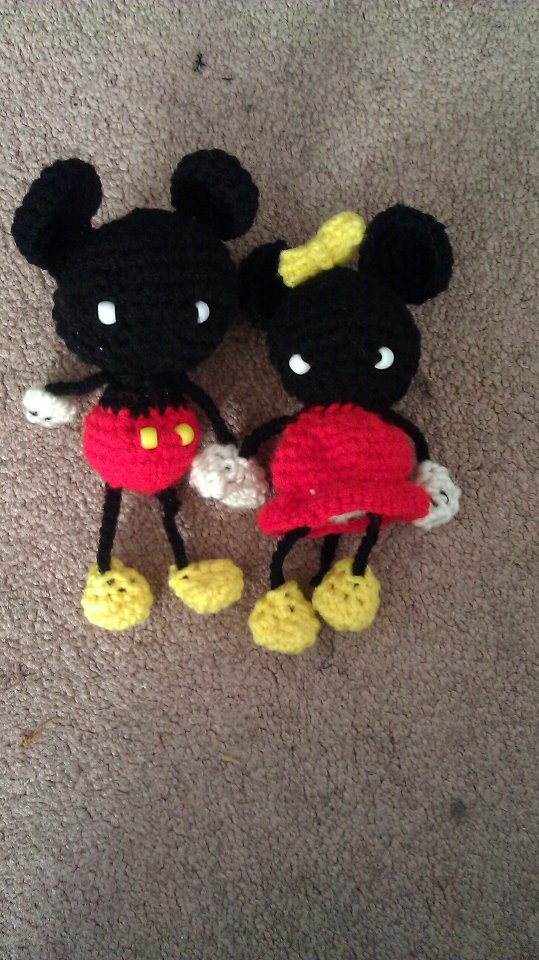 Mickey Mouse and Minnie Mouse Amigurumi by lylfairygirl on ...