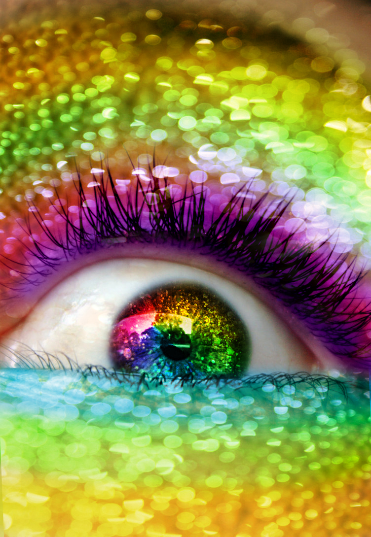 glitterified rainbowfied eye by flameXofXmisfortune
