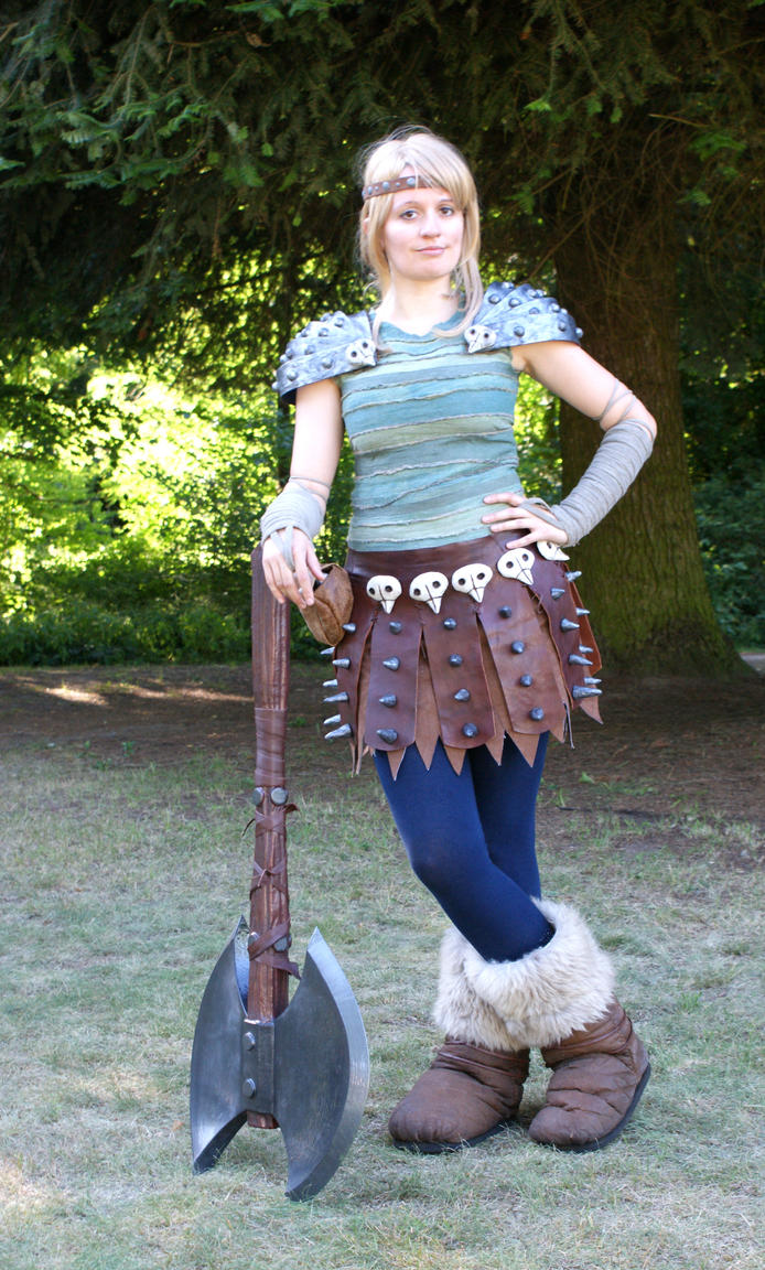 httyd cosplay astrid by hicksberlin on deviantart. Black Bedroom Furniture Sets. Home Design Ideas