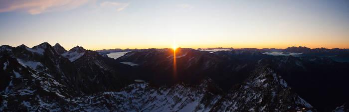 Schwarz Wand Sunrise 3 3105m by rembrandt83