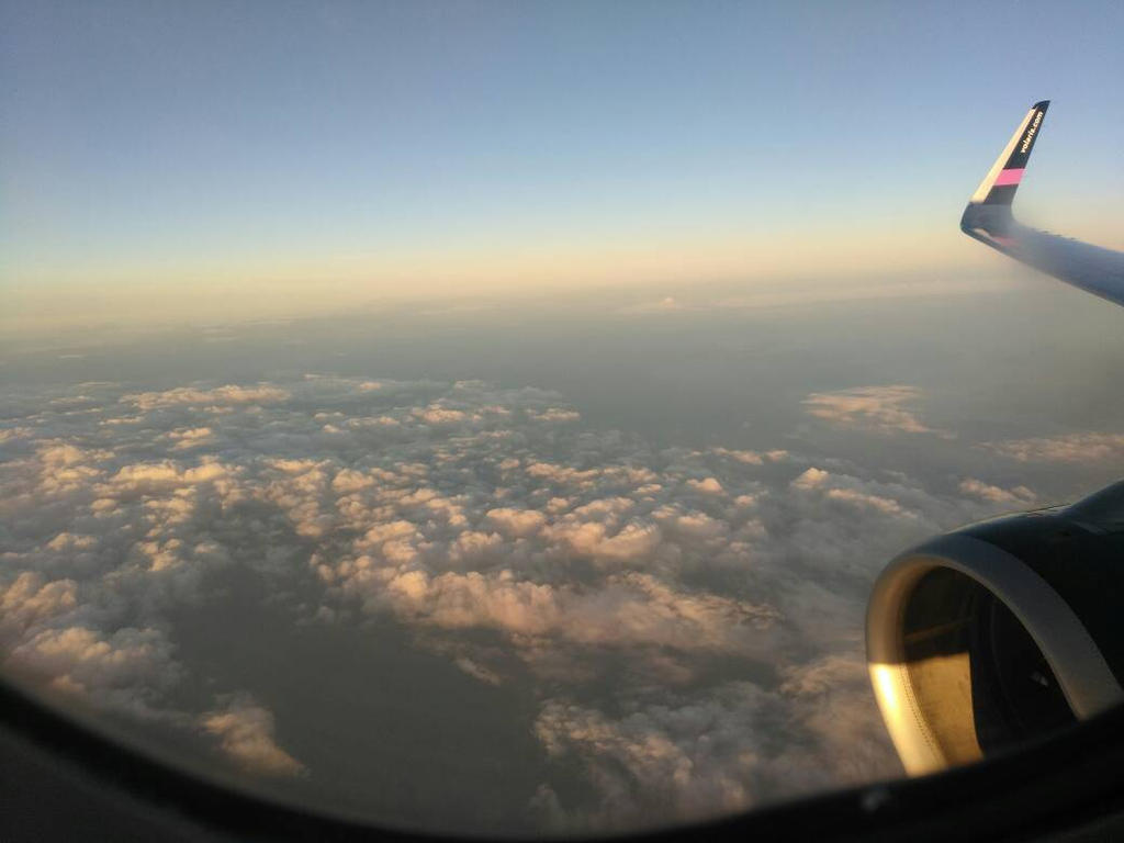 In the plane, overflying Veracruz, Mexico by Zekrom734