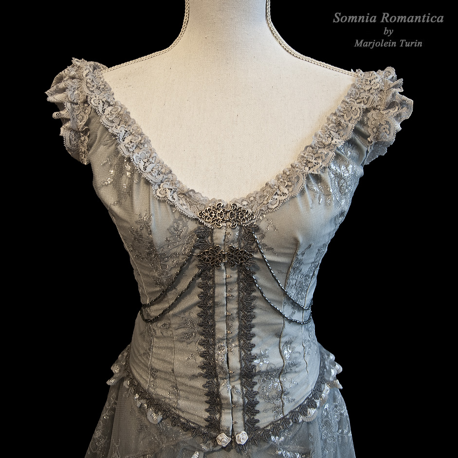 close-up bodice mariposa dress, Somnia Romantica by SomniaRomantica