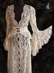 Malacia-Maeror-robe-ivory-somnia-romantica-marjole