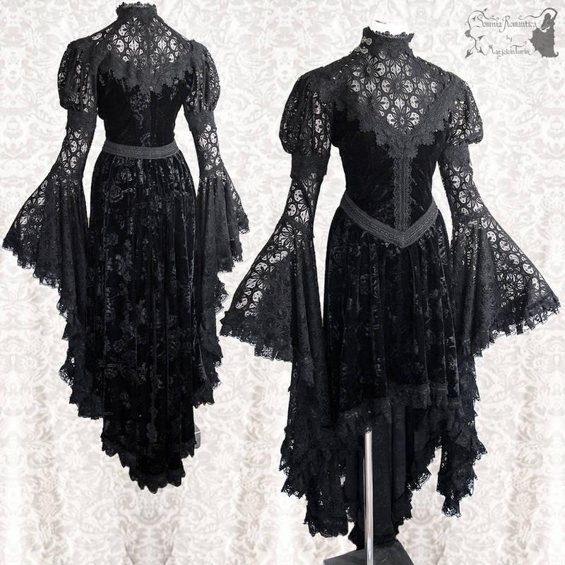 Romantic gothic gown velour lace, Somnia Romantica by SomniaRomantica