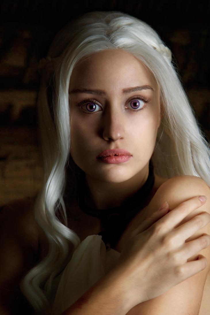 daenerys targaryen cosplay by annastoya on deviantart. Black Bedroom Furniture Sets. Home Design Ideas