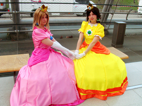 Peach and Daisy Cosplay 02 by Rayi-kun