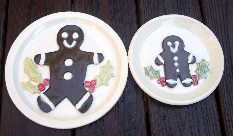 Gingerbread men plates by SpongeMuffin