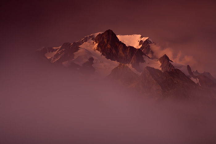 Mont Blanc fantomatique by vincentfavre