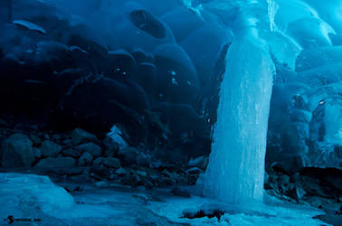 Frozen Pillar by spoox