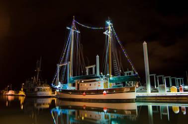 Festive Ship by spoox