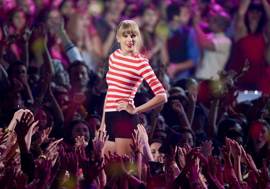Taylor , VMA's 2012 by IsaDesings