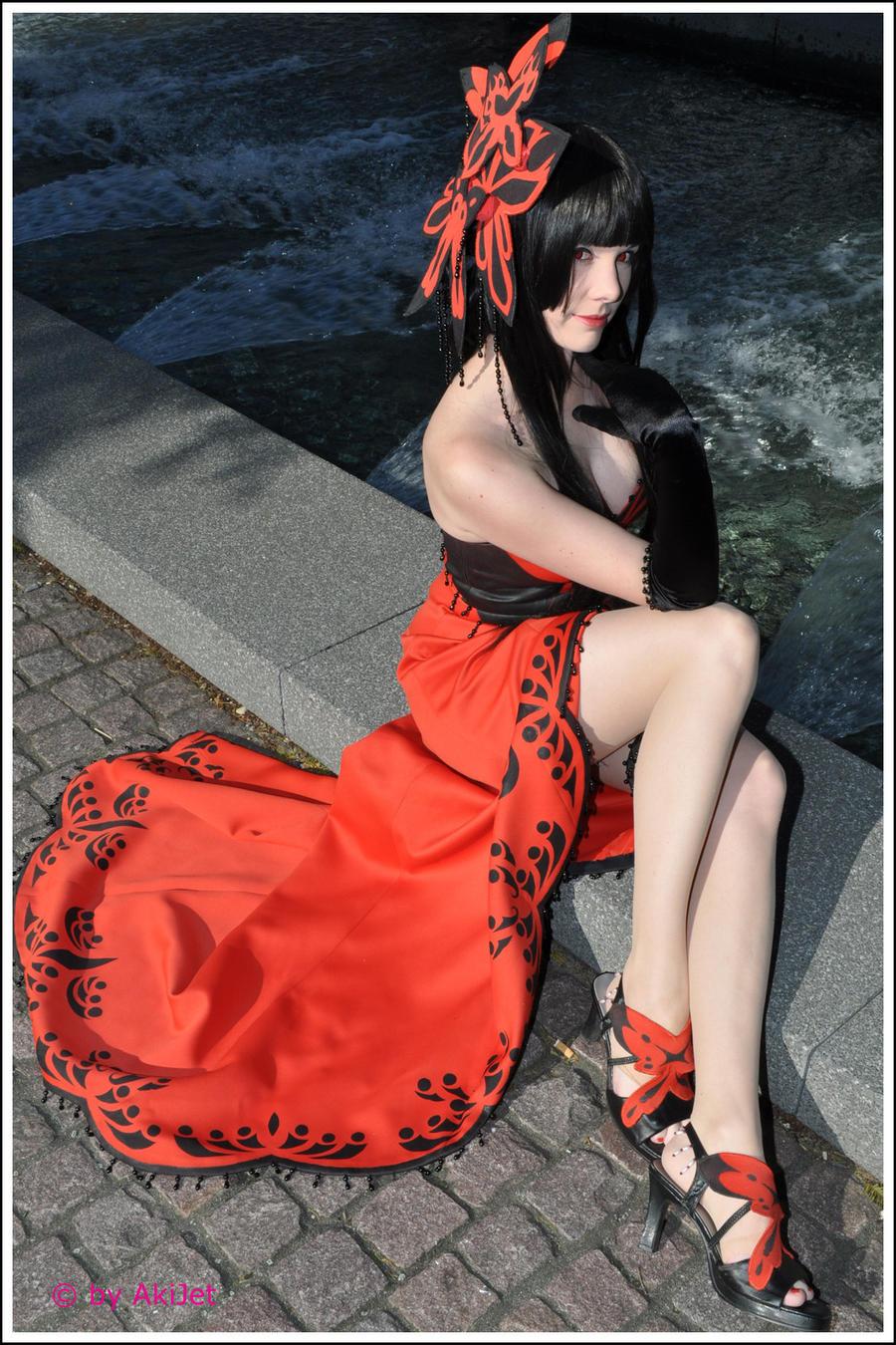 xxxHOLiC: Yuko shows her legs by Mokuyo