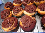 frosted vegan vanilla chocolate marble cupcakes