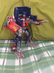 Optimus Prime EXhaust Pipe Gun mode by Mr5urfwave
