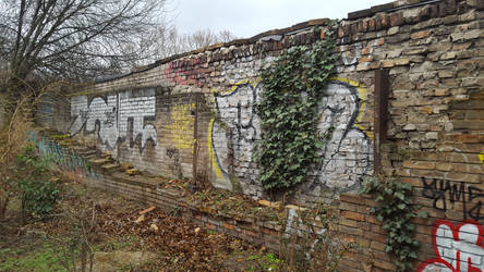 yet another wall in Berlin by tilianus