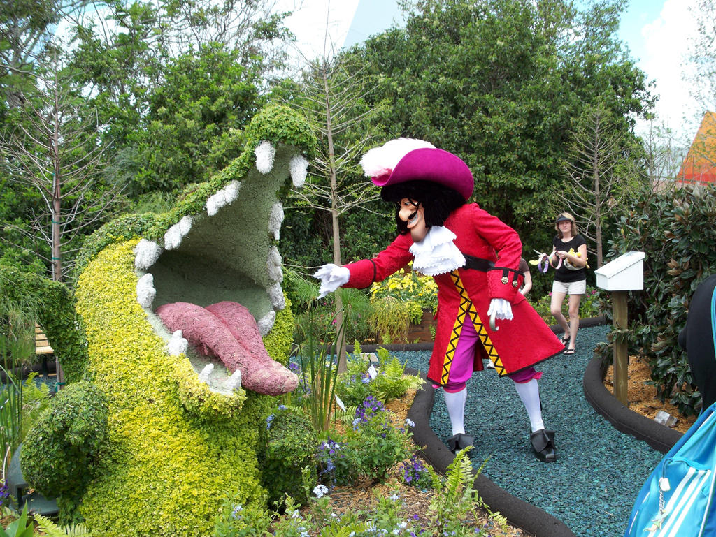 Captain Hook and the crocodile by Ave606